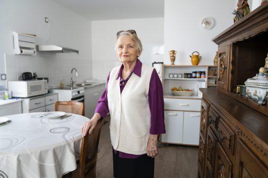 Une locataire de Lyon Métropole Habitat_ crédit N Leblanc Collectit Item_DSC6883